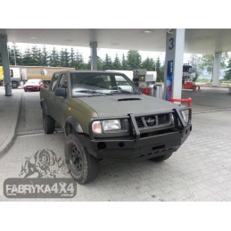 Nárazník Nissan Navara D22...